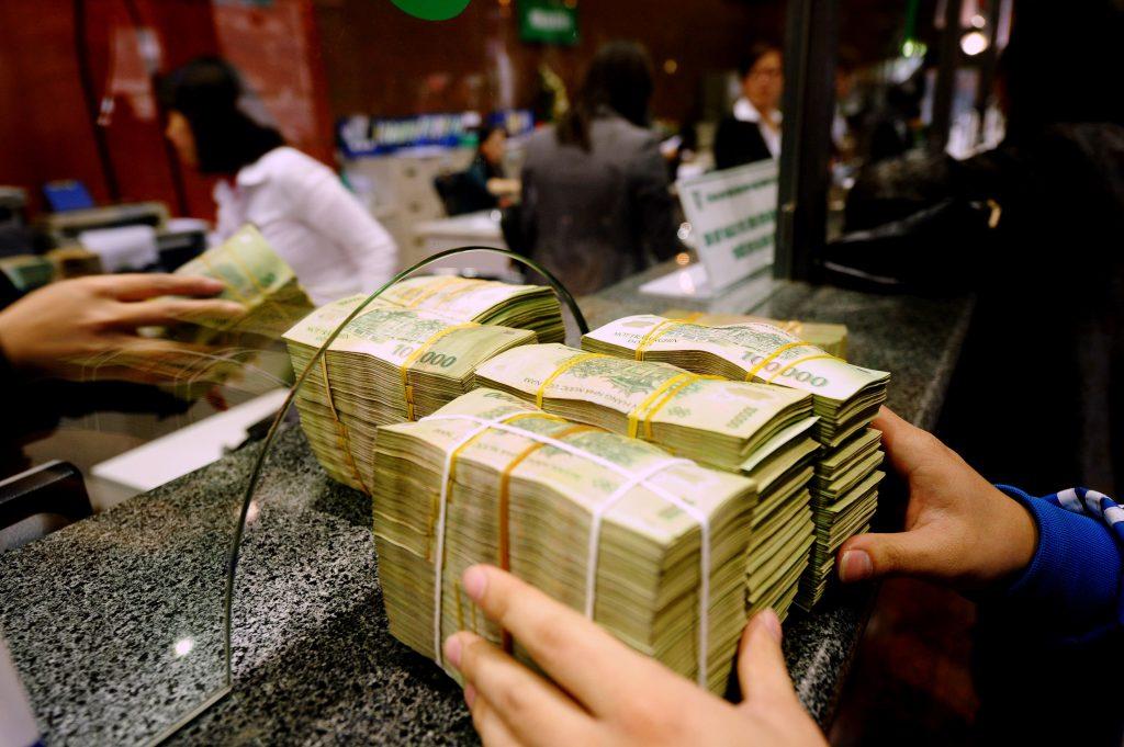 Người tiêu dùng được hưởng quyền lợi khi ngân hàng tuyên bố phá sản